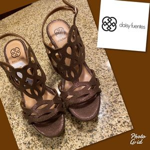 Daisy fuentes sandals susie wedge sandals 7 new